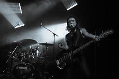TBT - Esben And The Witch, Kampnagel 2015 (Manu CV) Tags: esbenandthewitch artrock rock concert sony a7s highiso sigma 50mm f14 guitar bass hamburg germany live kampnagel 50mmf14exdghsm monochrome eatw