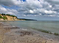 Rügen (Wunderlich, Olga) Tags: muscheln ostsee rügen insel sand steine steilufer