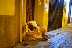 (Ibon M.) Tags: iruña iruñea pampona navarra nafarroa sanfermin drunk sleeping mozkorra borracho wasted