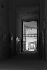 Flur - Hall (SchuhSchone) Tags: verlasseneorte lostplaces verlassen leave spuk spook alt old geist geister ruine ruin