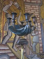 Stockholm City Hall (Christine G. H. Franck) Tags: stockholmcityhall ragnaröstberg civicarchitecture stockholm sweden nationalromanticstyle mosaics lighting lamp