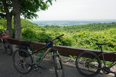 Huron Lookout overlooking the Ottawa Valley (beyondhue) Tags: huron lookout gatineau park parc quebec bike cycling bicycle beyondhue view landscape ottawa river horizon canada summer recreation sunday day champ champlain parkway