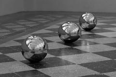 Three different Balls (Sockenhummel) Tags: albertinum dresden staatlichekunstsammlungendresden fuji x30 kugeln balls bälle spiegelung reflection fusboden schwarzweis monochrom blackwhite