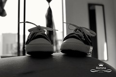 Bebé en camino (Carlos Alberto Peña Yañez) Tags: bebé zapatitos shoes small panza embarazo amor tierno blackandwhite blancoynegro bw baby mom