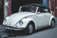 Beetle Cabrio (WeekendPlayer) Tags: cute cabrio cabriolet car vehicle beetle kafer fusca classic 60s 70s old vintage vintagecar vintagevw classiccar istanbul turkey tr city park parked white