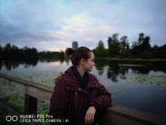 Playing with the portrait mode. (thnewblack) Tags: huawei p20 p20pro leica leicaoptics android smartphone outdoors sunset portrait friend f18 10mp britishcolumbia