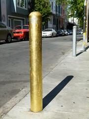 gilded (Jef Poskanzer) Tags: gold gilded post geotagged geo:lat=3776257 geo:lon=12242146 t bollard