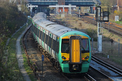 377111, Gatwick Airport, April 7th 2015 (Southsea_Matt) Tags: 377111 class377 electrostar bombardier southernrailway govia goahead gatwickairport sussex england unitedkingdom train railway railroad emu electricmultipleunit canon 60d 70200mm april 2015 spring vehicle publictransport passengertravel