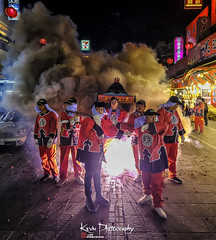 FXT25429 (kevinegng) Tags: chaotiangongtemple beigang taiwan 台灣 北港 朝天宮 台灣北港朝天宮媽祖繞境 媽祖繞境 festival taiwanese firecrackers bombardment lightupfirecrackers light actions night nightphotography nightshoots ritualevent ritual smoke fire
