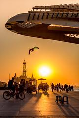 Sunset na Praça Mauá - Rio de Janeiro (mariohowat) Tags: novapraçamauá praçamauá boulevardolímpico riodejaneiro pôrdosol sunset canon natureza museudoamanhã brasil brazil silhuetas