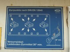 Zurrpunkte (mkorsakov) Tags: dortmund nordstadt hafen lkw truck hinweis gebot blau blue pictogram piktogramm zurren