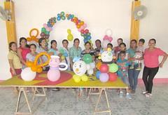 25 mujeres se beneficiaron del curso de artesanías en globos (GadChoneEC) Tags: mujeres beneficiarias artesanias globos ciudadela 20demarzo administracion municipio alcalde deytonalcivar