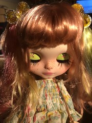 "It's always a good day for new eyelashes. While watching poor pippin the black lab and Alex kintner get eaten by jaws  #blythe #blythedoll #blythecustom • <a style=""font-size:0.8em;"" href=""http://www.flickr.com/photos/99183398@N00/42924842042/"" target=""_blank"">View on Flickr</a>"