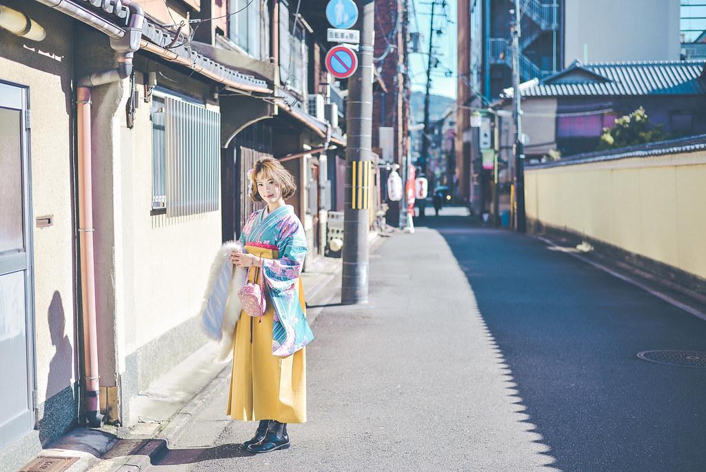 walking around kyoto in kimono-1-9