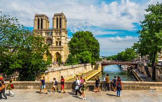 Parisienne sights.