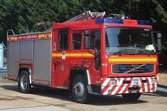 KV51 CXB (JKEmergencyPics) Tags: surrey fire rescue service sfrs volvo fl6 saxon appliance reigate station hq headquarters wray park kv51cxb kv51 cxb