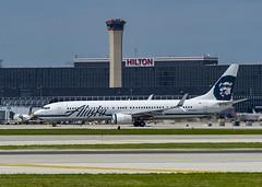 Alaska Airlines Boeing 737-990(ER)(WL) N468AS (MIDEXJET (Thank you for over 2 million views!)) Tags: chicago chicagoillinois chicagoohare chicagoohareinternational ohare ohareinternationalairport kord ord flyord flychicago chooseohare fly2ohare alaskaairlinesboeing737990erwln468as alaskaairlines boeing737990erwl boeing boeing737990 boeing737900 boeing737 737 737900 737990 n468as iflyalaska flyohare