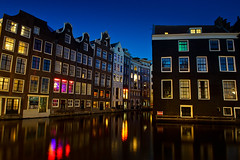 Amsterdam by night (arnaud patoto) Tags: colors couleurs nuit night windows fenêtres amsterdam netherlands nederland canal reflet reflect reflection sony a7