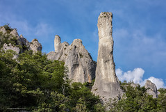 Vela Draga: vapnenački tornjevi (MountMan Photo) Tags: veladraga učka istra croatia landscape kanjon canyon kamenelitice stonecliffs vapnenačkitornjevi