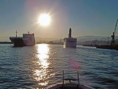 18063000966battello (coundown) Tags: genova battello porco panorama scorci barca barche navi lanterna spiagge viste pilota pilot