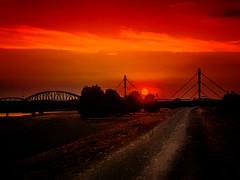 red sunset (AngyDS) Tags: sunset redsun bridge duisburg nrw sonnenuntergang abendstimmung
