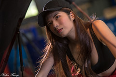 DSC_5173 (Robin Huang 35) Tags: 方唯真 chubby 修車廠 工作服 車 car 人像 portrait lady girl nikon d850