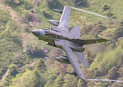 Tornado GR4 (ukmjk) Tags: tornado gr4 aircraft low level loop mach raf wales nikon nikkor d500 300mm f4 pf tc14e2