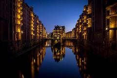Most Photographed Place in Hamburg (Christoph Wenzel) Tags: urlaub deutschland stadt hamburg de sonyalpha6000 street architektur wasser spiegelung blauestunde fluss samyang12mmf20 sommer dawn