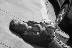 La paz del sueño (felix-tigris1) Tags: indigente persona durmiendo calle vulnerable guadalajara jalisco méxico sociedad oportunidad sueño dormir paz placido gente carro auto costal barba bigote hombre vagabundo pobreza miseria desventura marginado cansancio social sociales supervivencia ciudad urbano entorno indigencia semblante expresión infortunio adversidad derechos humanos garantías individuales dramático psicológico quietud relajación impactante emocional ropa camisa bote asfalto llanta rin efecto teatral drama monocromático hobo homeless man street retrato portrait dramatic vecchio anziano barbone povertà vagabondo spazzatura basura homme vieil indigent