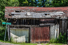 Tired Shed (Conrad Kuiper) Tags: canon shed 7dmkii 18135mm dilapidated