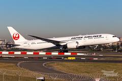 JA868J JL B789 34L YSSY-2856 (A u s s i e P o m m) Tags: japanairlines japan jal boeing b789 dreamliner syd yssy sydneyairport