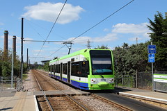 Look both ways (trainspotter64) Tags: strasenbahn streetcar tram tramway tranvia tramvaj tramwaje lightrail m31 london croydon bombardier flexity tramlink cr4000