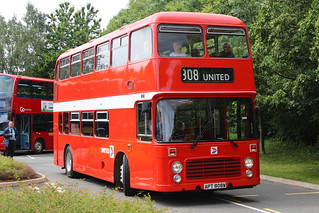 UNITED 808 APT808W IS SEEN AT HOWLANDS PARK & RIDE, DURHAM ON 17 JUNE 2018