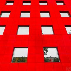 red front (MAICN) Tags: 2018 lines quadratisch architektur building leeuwarden symmetrisch linien gebäude fassade windows square fenster front vhs symmetric geometrisch geometry architecture