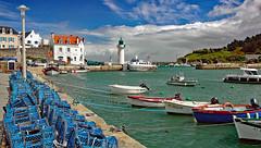 Grande Bretagne! (Ciceruacchio) Tags: port fishingport portodipesca porticciolo phare lighthouse faro sea mare mer sauzon belleîle bretagne britanny nikon