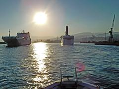 18063000967battello (coundown) Tags: genova battello porco panorama scorci barca barche navi lanterna spiagge viste pilota pilot