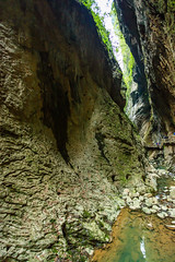Chongqing-180129-174 (Kelly Cheng) Tags: asia china chongqing longshuicanyon longshuixiafissuregorge northeastasia southchinakarstwulongkarstunescoworldheritagesite unescoworldheritagesite wulong wulongkarstnationalgeologypark canyon color colorful colour colourful day daylight gorge karst landscape nature nopeople nobody outdoor river tourism travel traveldestinations water 武隆喀斯特 龙水峡地缝