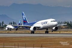 CC-BAP LA A320 17R SCEL (A u s s i e P o m m) Tags: scl scel santiago chile lanchile airbus a320