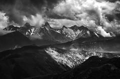 Trois Aiguilles D'Arves (Tom Cuppens) Tags: blackandwhite nature natuur bw noiretblanc zwartwit alpen alpes alps mountains bergen montagnes france frankrijk wolken clouds