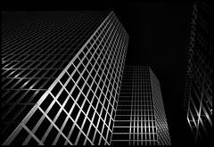 SinCity (Lukas_R.) Tags: fuji fujifilm xe3 fujinon 23mm bayern architektur bw travel sun line facade silver window