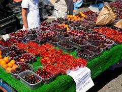 Marylebone London (Jonathon Bennett Photos) Tags: fruit cherry summer streetmarket farmersmarket marylebone phaseone colour blackcurrent redcurrent fresh