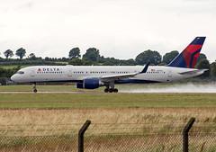 N819DX Boeing 757-26D(WL) (Irish251) Tags: airport ireland boeing snn einn shannon dal406 757 b752 n819dx