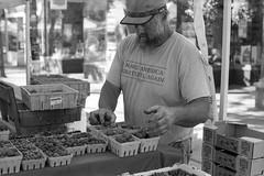early morning. (mojave1951) Tags: seattle streetphotography streetportrait blackandwhite blackandwhitefilm ilfordfp4plus hc110 farmersmarket nikomatel nikkorsauto1450mmpreailens