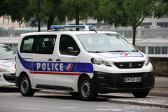 Police Nationale | Peugeot Expert (spottingweb) Tags: spotting spotted spotter spottingweb véhicule vehicle france car voiture van fourgon camion camionnette fourgonnette utilitaire police policenationale policesecours policier forcedelordre sécurité secours urgence intervention gyrophare policeman security cop cops copcar peugeot expert paris préfecturedepolice pp