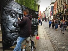 WORK IN PROGRESS. (Skiappa.....v.i.p. (Volentieri In Pensione)) Tags: dalì arte dipinto ritratto artista dublino templebar turisti folla gente pub selciato