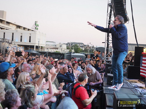 """2018-07-07 Southside Johnny & the Asbury Jukes • <a style=""""font-size:0.8em;"""" href=""""http://www.flickr.com/photos/139848974@N07/43336427092/"""" target=""""_blank"""">View on Flickr</a>"""