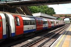At the platform (afagen) Tags: london england uk unitedkingdom greatbritain londonunderground underground tube thetube subway transit train finchleycentral finchley