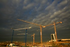 cranes at sunrise (peet-astn) Tags: midrand johannesburg gauteng cranes crane pwc tower southafrica sky weather winter july 2018