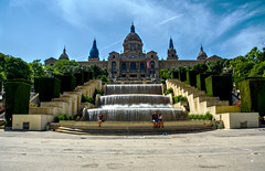 Placa de les Cascades (seantindale) Tags: barcelona spain espana catalunya olympus omdem5markii travel water fountain bluesky sky clouds hdr europe