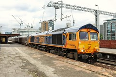 66777 - 6J46. (Andy.Parkinson) Tags: 66777 annette 6j46 salfordcentralrailwaystation gbrf gbrailfreight class66